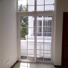 Door with One Sliding Sash (SD1)